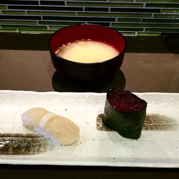 Miso Soup, Sushi/Nigiri: Scallop & Ikura @ Tuna House Japanese Cuisine