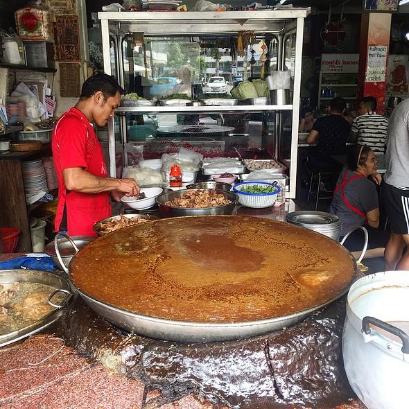 Beef Noodles @ Wattana Panit