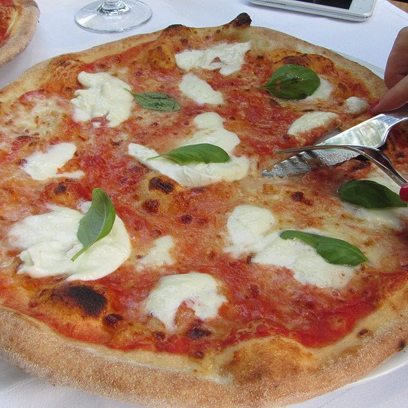 Pizza with sour cream @ ORBIS Stobreč