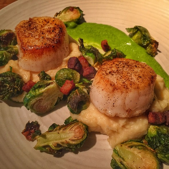 Plancha Seared Scallops Entree - Stars Restaurant - Rooftop & Grill Room, Charleston, SC