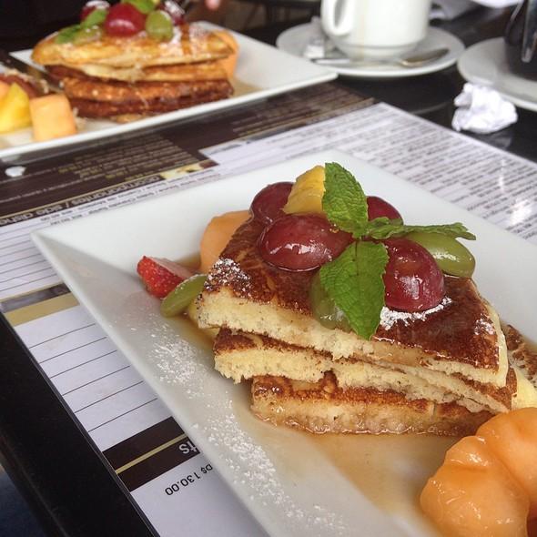 pancakes @ Crema Café