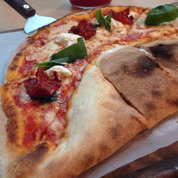Mozaluna Flat Bread Pizza @ Mozaluna