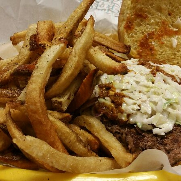 Carolina Burger @ Fincastle's Restaurant