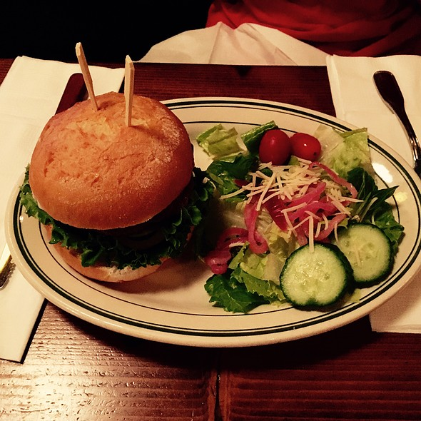 Gluten-Free Hamburger With Side Salad @ McMenamins Boon's Treasury