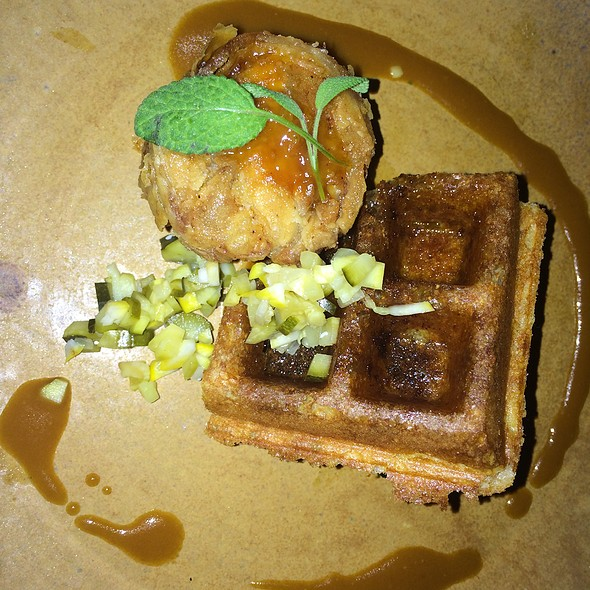 Chicken And Waffels @ Reverb