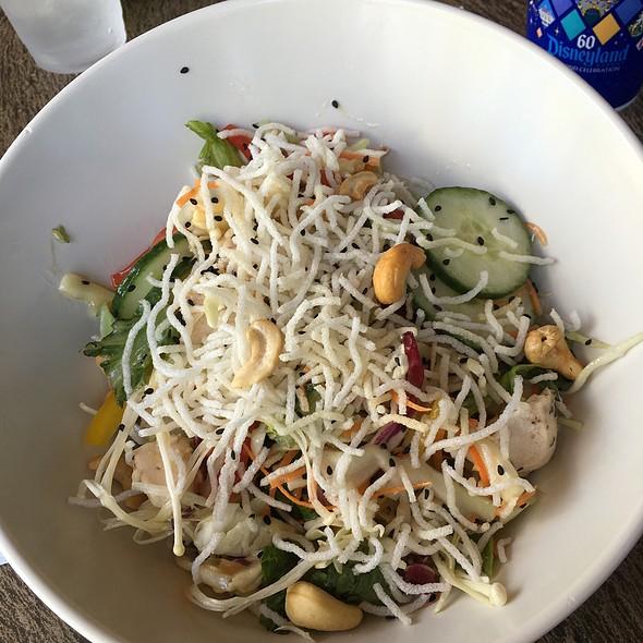 Asian chicken salad @ Tangaroa Terrace