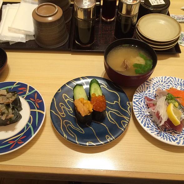 Sushi Assort