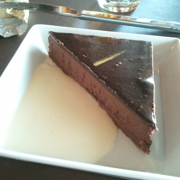 Chocolate Mousse Cake @ 58 Tour Eiffel