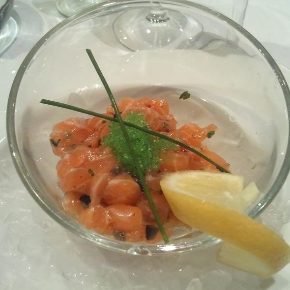 Salmon Tartare @ Vin et Marée - 11eme