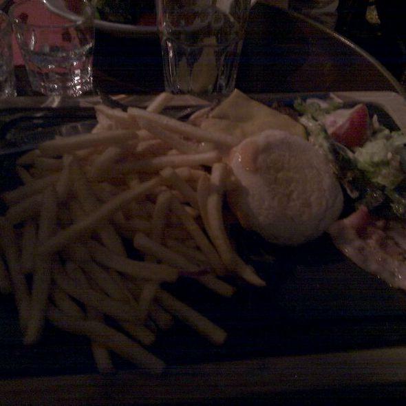 Hamburger Muffin Boeuf  @ Café Crème