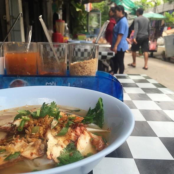 Guay Tiew Kua Gai @ Soi Pridi Banomyong 8