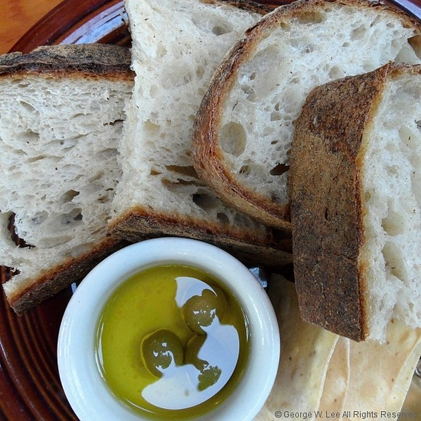 Ken's Bread, Crackers, Olives, Olive Oil - Park Kitchen, Portland, OR