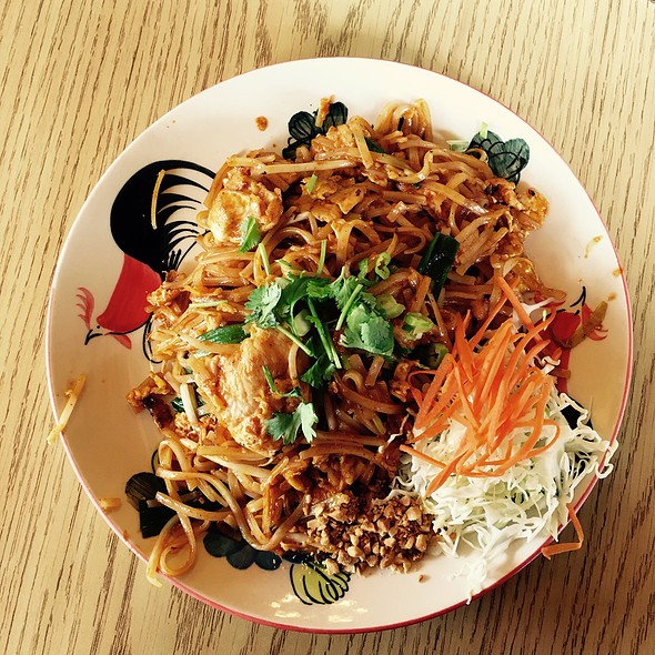 Phad Thai Chicken @ Thai One On