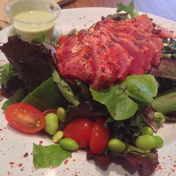 Seared Tuna Salad @ HRD Coffee Shop