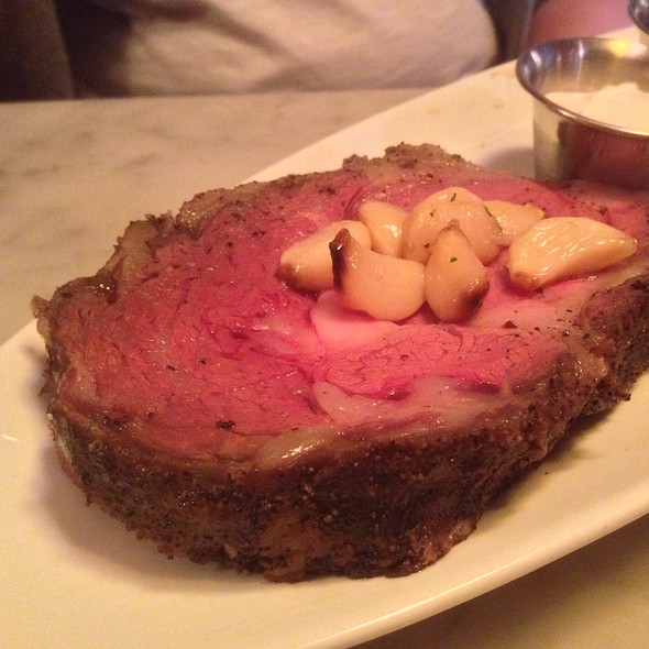 Garlic Roasted Prime Rib @ The Stinking Rose