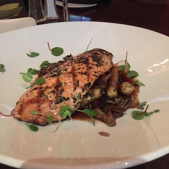 Salmon - O'Neill's Bar & Grill, Mission Viejo, CA