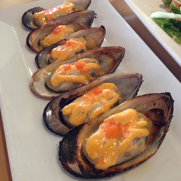 Grilled Spicy Green Mussels @ 45 Mint Vietnamese Bistro