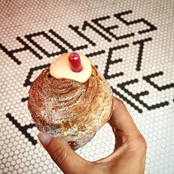 Cruffin @ Mr. Holmes Bakehouse