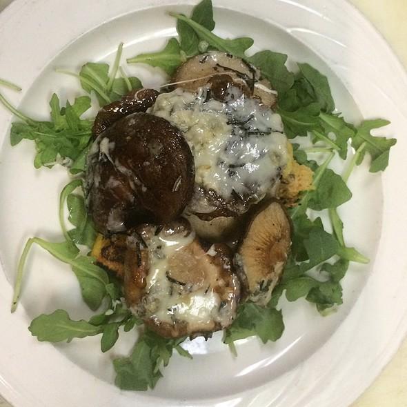 Shiitake Mushrooms & Gorgonzola @ Rachel's Cafe