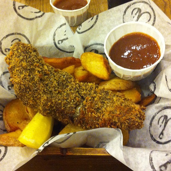 Chinese Special: Ginger and Pepper Crusted Fish with Seaweed Salted Chips & Spiced Plum Ketchup @ Bia Mara