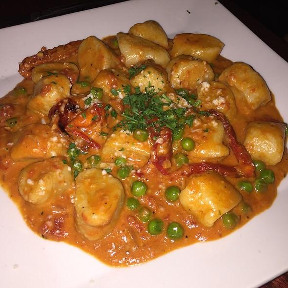 Gnocchi La Rosa - Gennaro's Restaurant & Catering – Princeton, Princeton, NJ