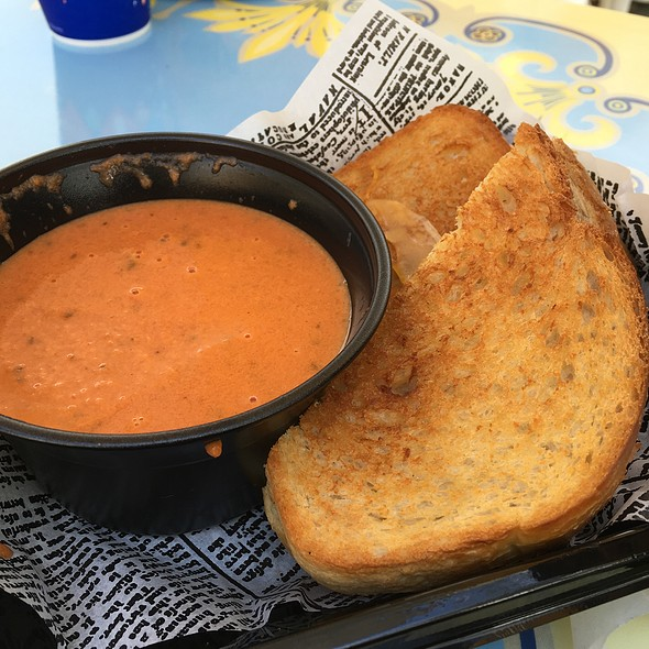 Grilled Cheese With Tomato Soup @ Jolly Holiday Bakery Café
