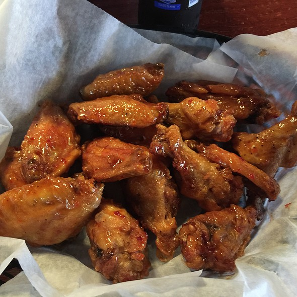 Sweet Chili Chicken Wings @ Murphy's Taproom