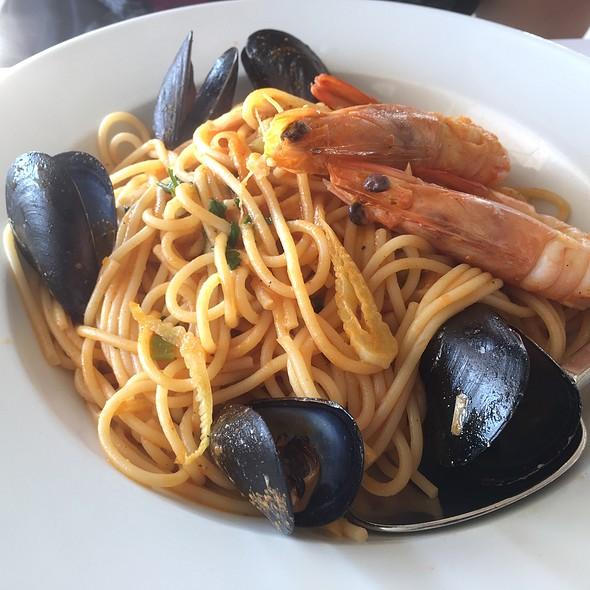 Seafood Spaghetti @ Kostantis