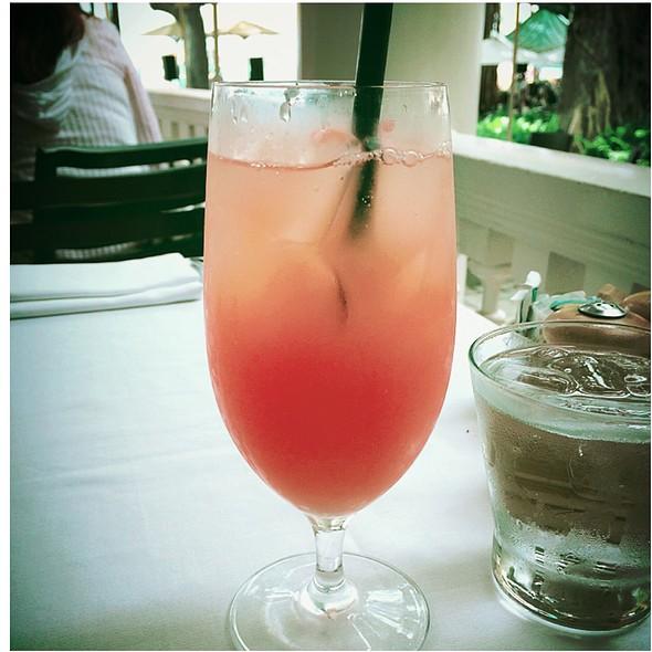 guava Juice @ The Veranda - Moana Surfrider Hotel