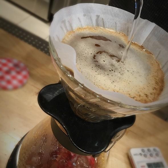 Pour Over Coffee - Single Origin @ Sol Cafe