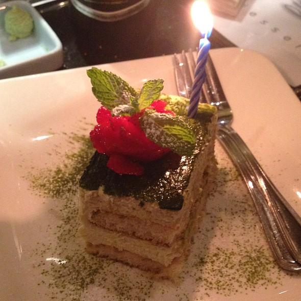 Anniversary Cake Celebration