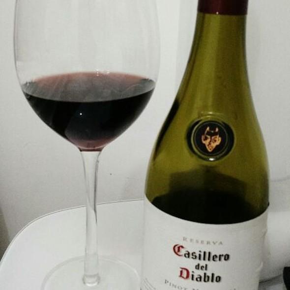 Casillero Del Diablo Pinot Noir 2013 @ Home