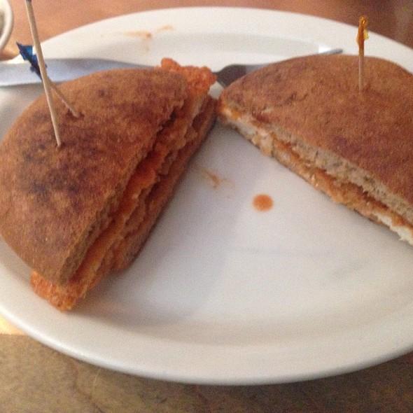 Sammy's Spicy Chicken Sandwich