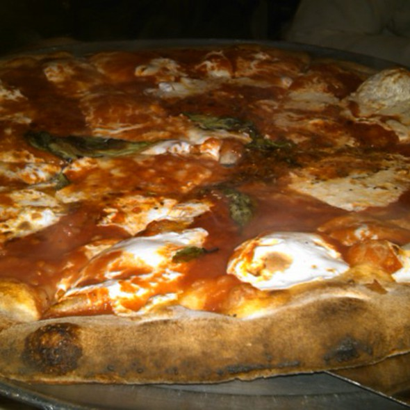 coal brick oven pizza @ Grimaldi's Pizzeria