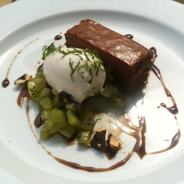 Chokoladekage Med Is Og Kiwi @ BIOM