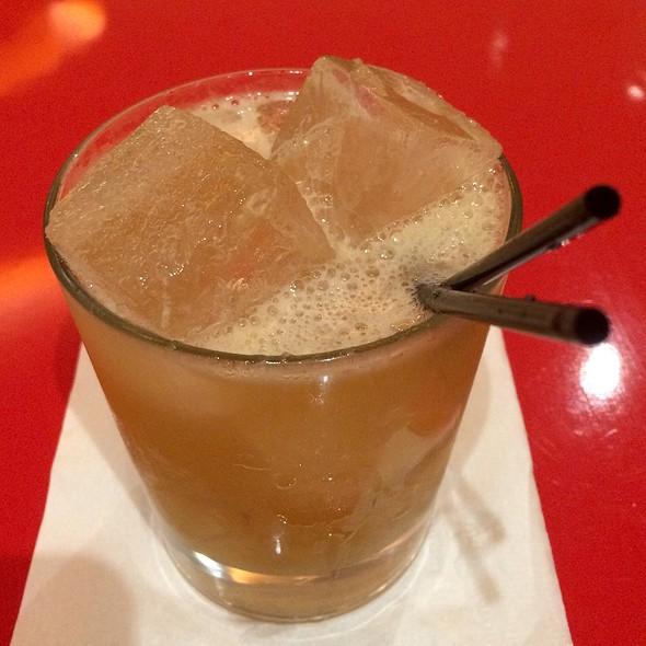 Goldrush Cocktail @ Red Bar & Lounge