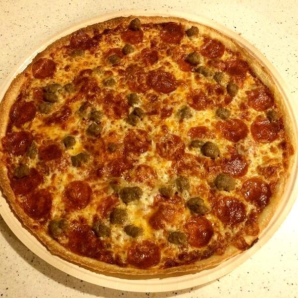 Italian Sausage and Black Olive Pizza @ Papa Murphy's Take 'N' Bake Pizza