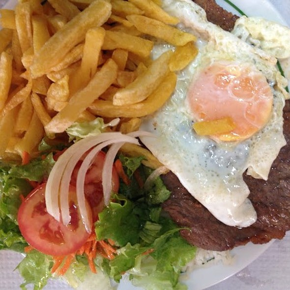 Bitoque @ Café Tâmara