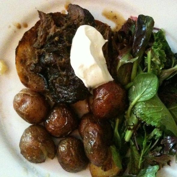 Beef Tartine @ Chez Albert Restaurant