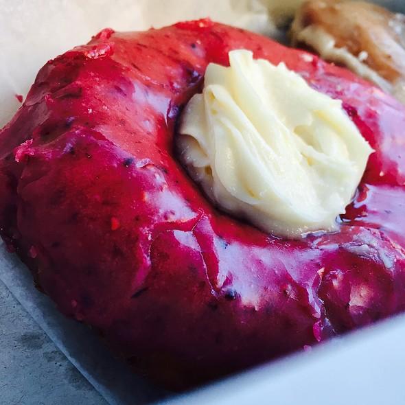 Cannoli @ Holy Donut