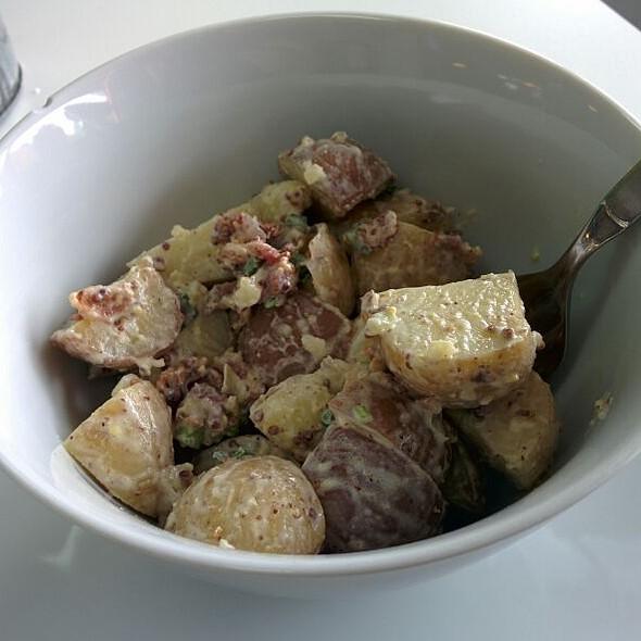 Salade De Patates Et Bacon @ Quartier Gourmand