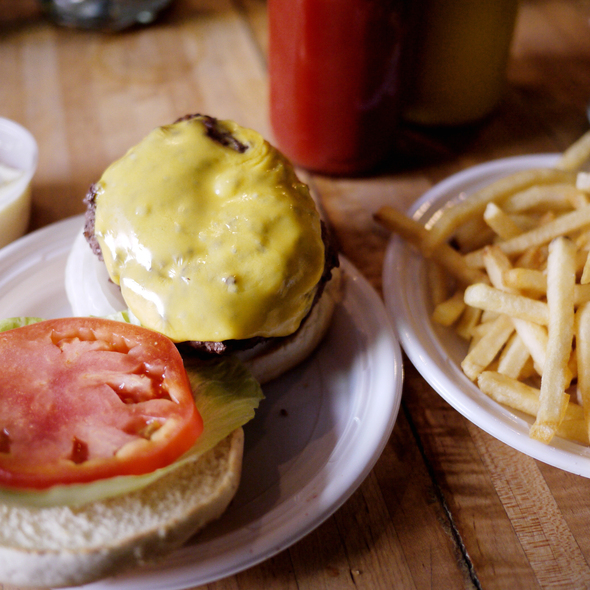 Cheeseburger @ Corner Bistro