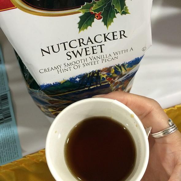 Nutcracker Sweet Coffee @ Hawaiian Isles Kona Coffee Co