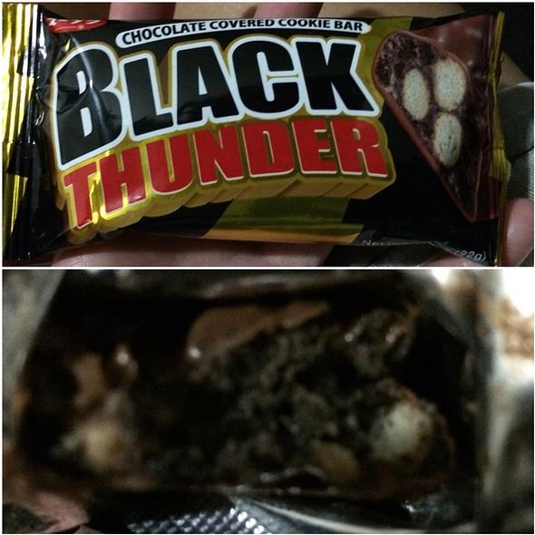 Black Thunder Japanese Chocolate Bar @ Somewhere In Japan