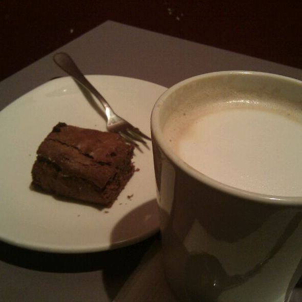 Brownie and Flat White @ Spreegold GmbH