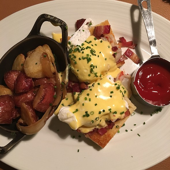 Lobster And Bacon Brioche Benedict