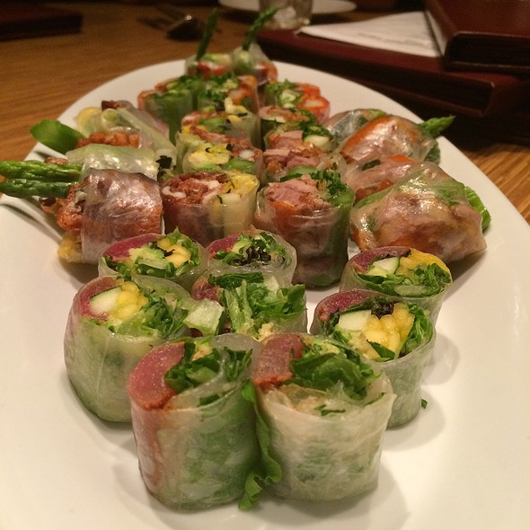 Chateau's Special Spring Roll Sampler  @ Brodard Chateau