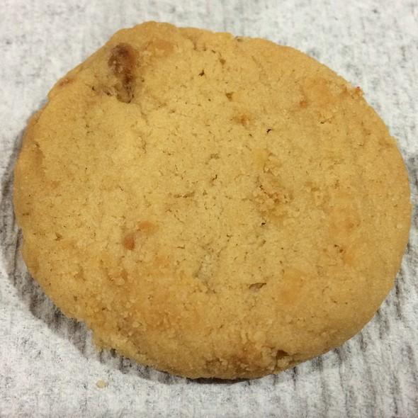 Macadamia Nut Cookies @ Donna's Cookies