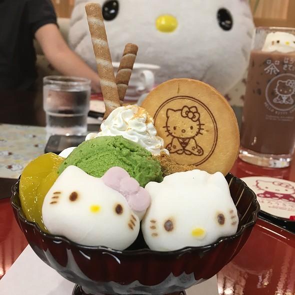 Hello Kitty & Dear Daniel Friendship Parfait @ Hello Kitty Cafe