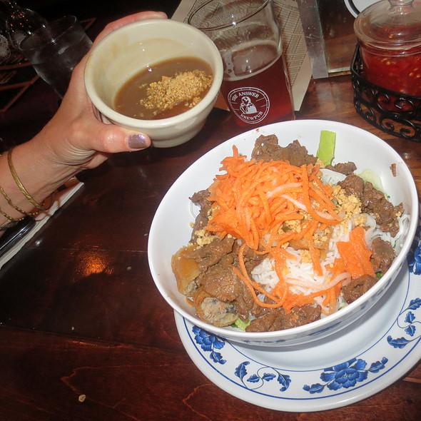 Bo Tai Chanh (raw beef salad)
